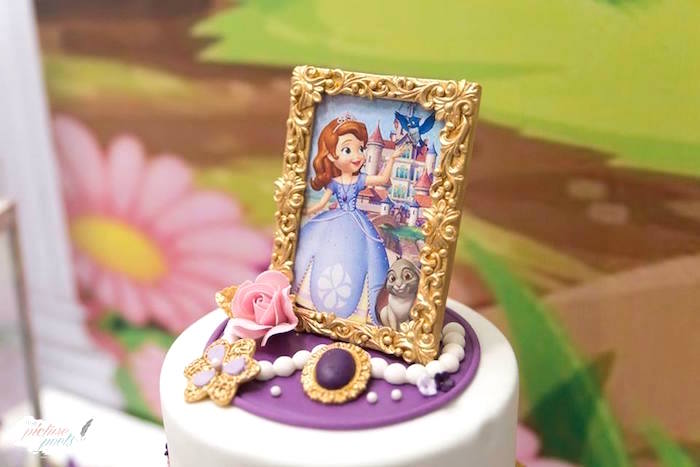 Sofia amulet and frame cake toppers from a Sofia the First Birthday Party on Kara's Party Ideas   KarasPartyIdeas.com (6)