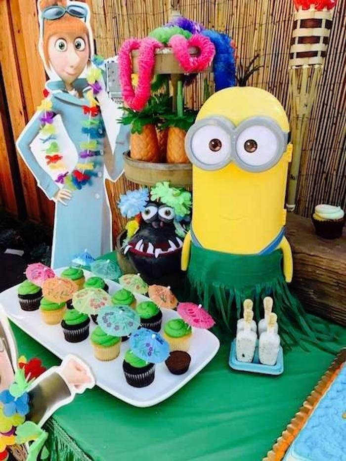 Cupcakes, favors, sweets and decor from a Despicable Me 3 Luau Party on Kara's Party Ideas | KarasPartyIdeas.com (21)