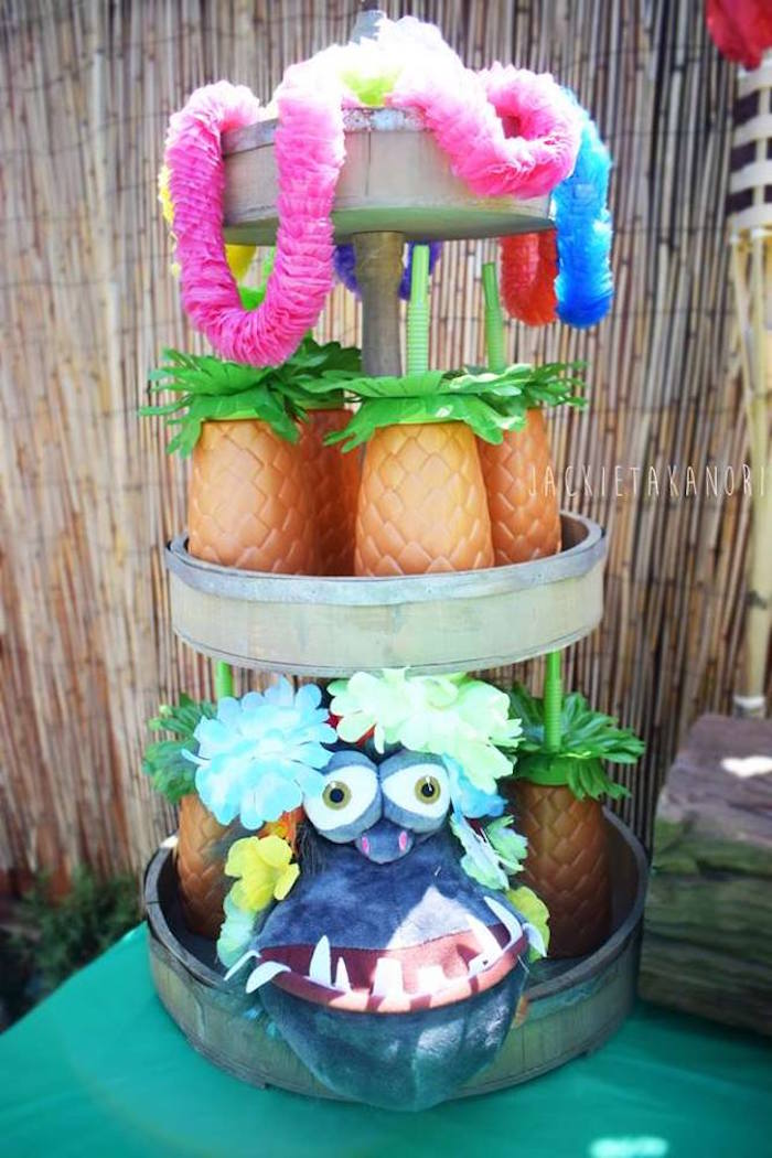Pineapple drink cups + leis from a Despicable Me 3 Luau Party on Kara's Party Ideas   KarasPartyIdeas.com (10)
