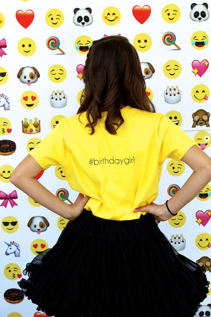 Emoji Birthday Party on Kara's Party Ideas | KarasPartyIdeas.com (35)