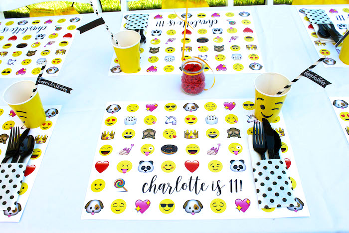 Emoji place setting from an Emoji Birthday Party on Kara's Party Ideas | KarasPartyIdeas.com (23)