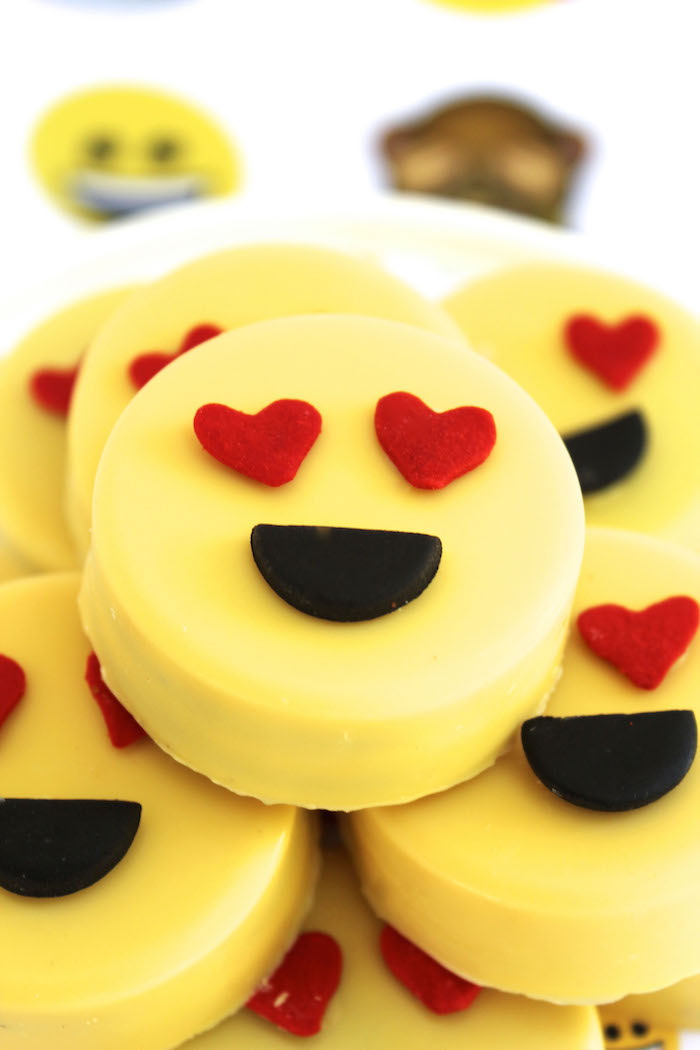 Emoji Oreos from an Emoji Birthday Party on Kara's Party Ideas | KarasPartyIdeas.com (17)