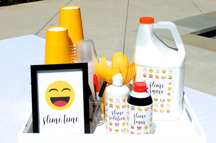 Partyware from an Emoji Birthday Party on Kara's Party Ideas | KarasPartyIdeas.com (41)