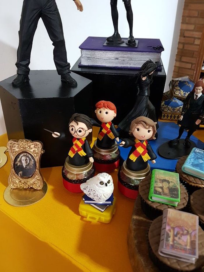 Harry Potter favor jars from a Hogwarts Harry Potter Birthday Party on Kara's Party Ideas | KarasPartyIdeas.com (4)