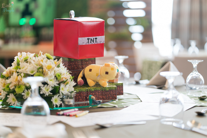 Guest table centerpiece from a Minecraft Birthday Party on Kara's Party Ideas | KarasPartyIdeas.com (34)