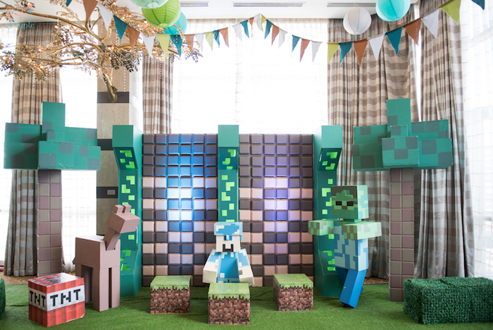 Minecraft photo booth + backdrop from a Minecraft Birthday Party on Kara's Party Ideas | KarasPartyIdeas.com (29)