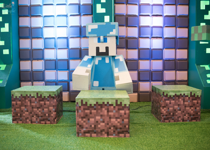 Minecraft photo booth + backdrop from a Minecraft Birthday Party on Kara's Party Ideas | KarasPartyIdeas.com (27)
