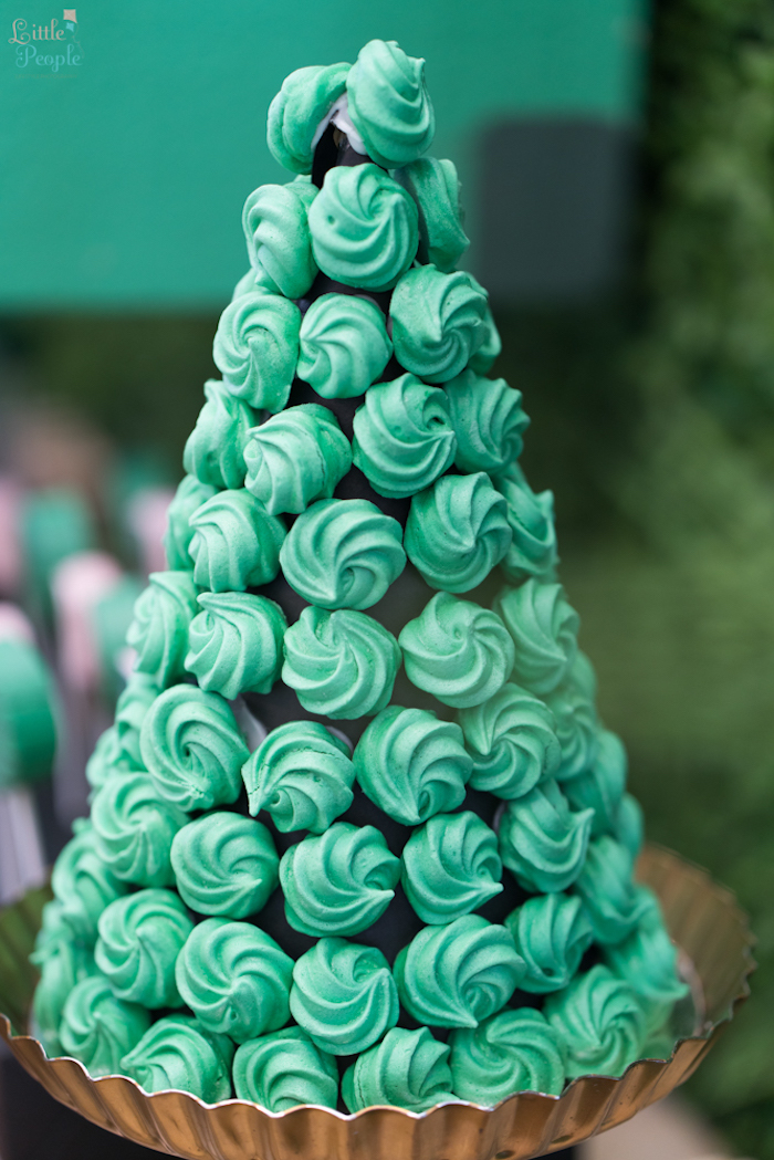 Meringue tower from a Minecraft Birthday Party on Kara's Party Ideas | KarasPartyIdeas.com (21)