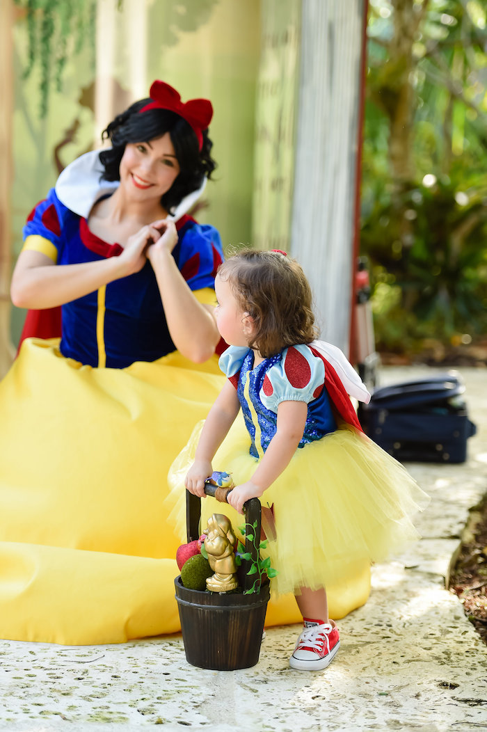 Snow White Fairytale Birthday Party on Kara's Party Ideas | KarasPartyIdeas.com (2)