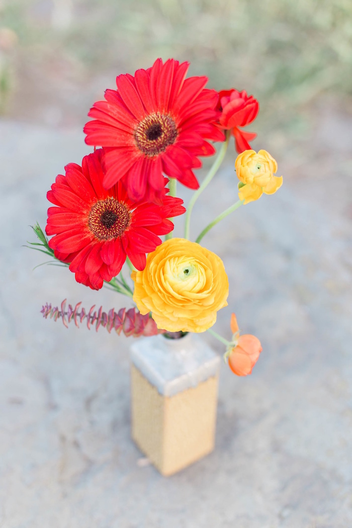 "Blooms from an ""Au Naturel"" Outdoor Bridal Shower on Kara's Party Ideas 