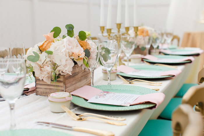 Guest tablescape + place setting from an Elegant Backyard Wedding on Kara's Party Ideas | KarasPartyIdeas.com (9)