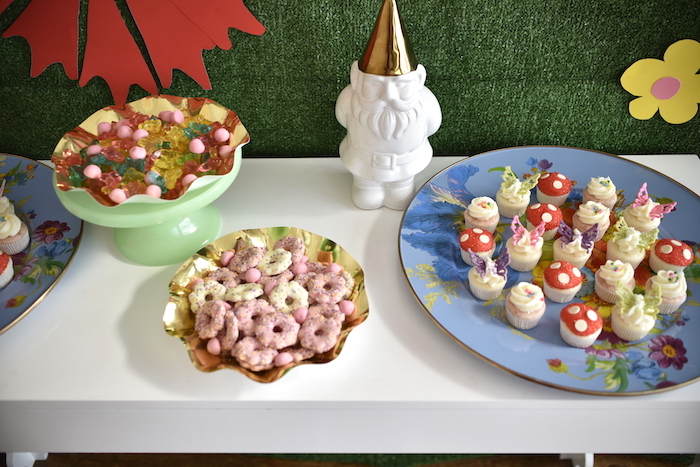 Sweets from a Fairy Garden Craft Party on Kara's Party Ideas | KarasPartyIdeas.com (14)