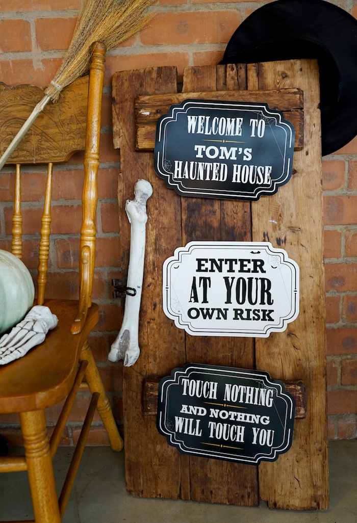 Signage from a Modern Haunted House Halloween Party on Kara's Party Ideas | KarasPartyIdeas.com (16)