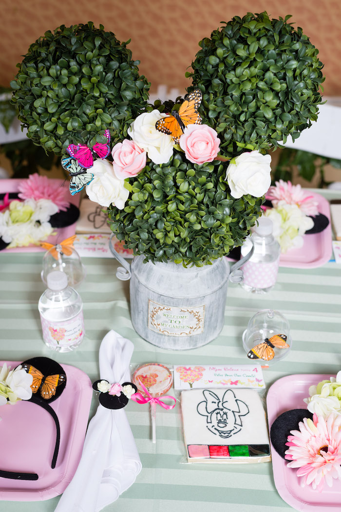 Place setting from a Minnie Mouse Inspired Butterfly Garden Party on Kara's Party Ideas | KarasPartyIdeas.com (16)