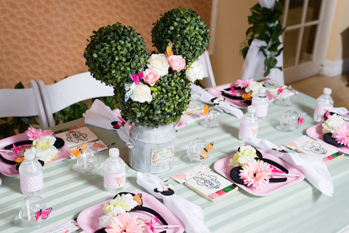 Guest tablescape from a Minnie Mouse Inspired Butterfly Garden Party on Kara's Party Ideas | KarasPartyIdeas.com (15)