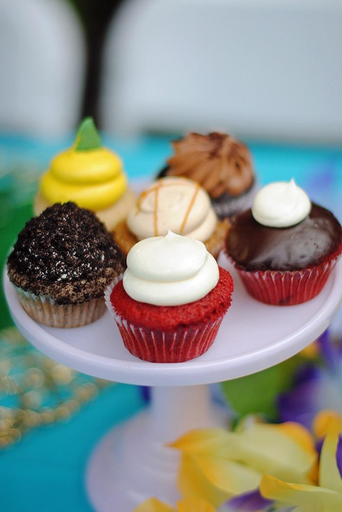 Cupcakes from a Moana Hawaiian Luau Birthday Party on Kara's Party Ideas | KarasPartyIdeas.com (6)