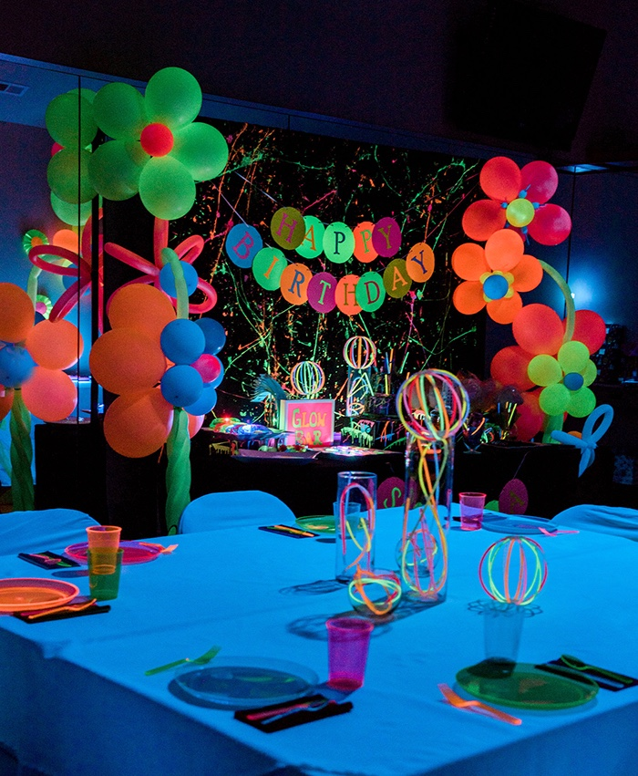 Glow In The Dark Party Tables From A Neon Birthday On Kara S Ideas