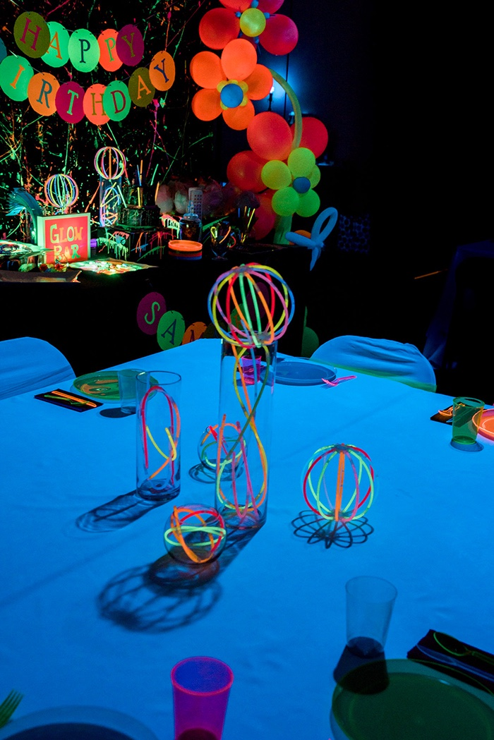 Glow In The Dark Guest Table From A Neon Birthday Party On Karas Ideas
