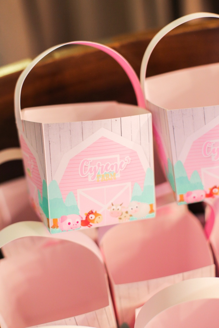 Produce sacks from a Pink Barnyard Birthday Party on Kara's Party Ideas   KarasPartyIdeas.com (24)