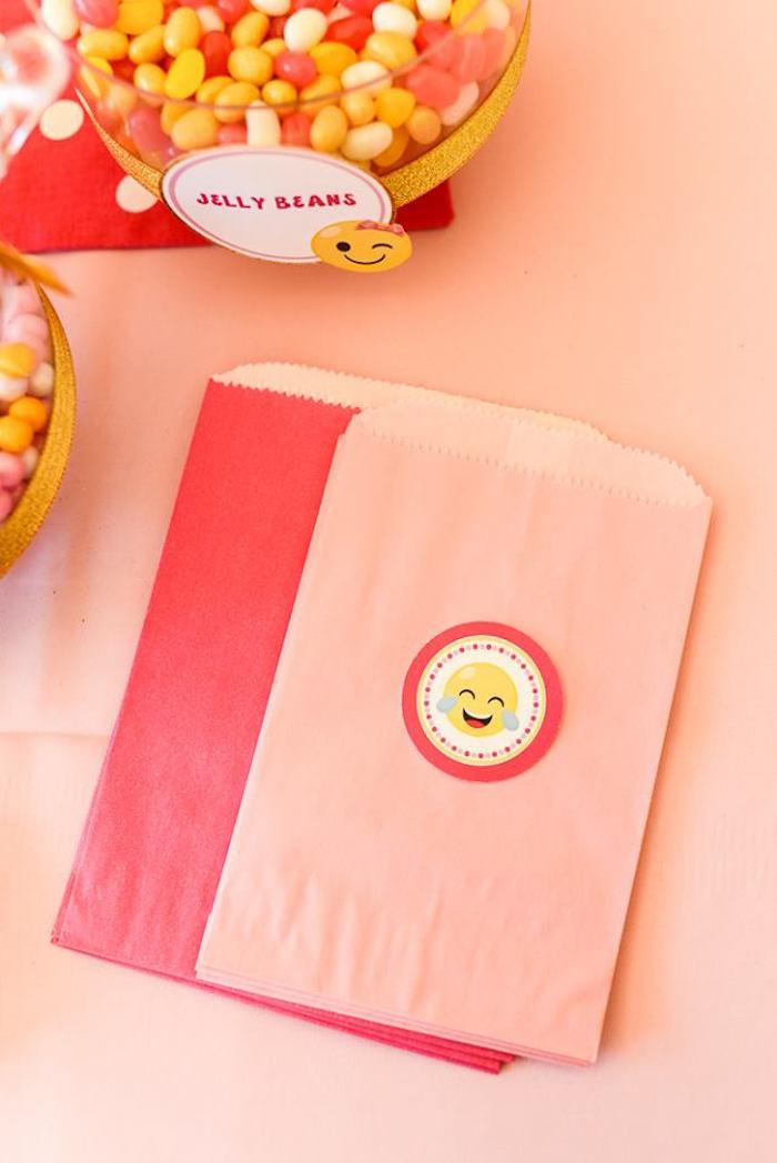 Emoji snack sacks from a Pink & Gold Emoji Birthday Party on Kara's Party Ideas   KarasPartyIdeas.com (27)