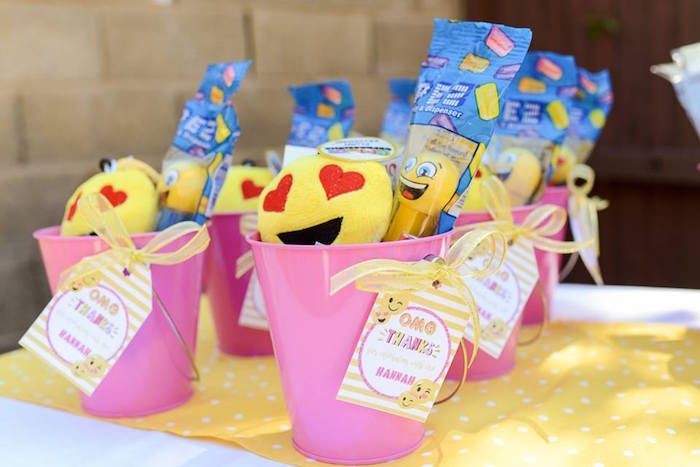 Favor buckets from a Pink & Gold Emoji Birthday Party on Kara's Party Ideas | KarasPartyIdeas.com (21)