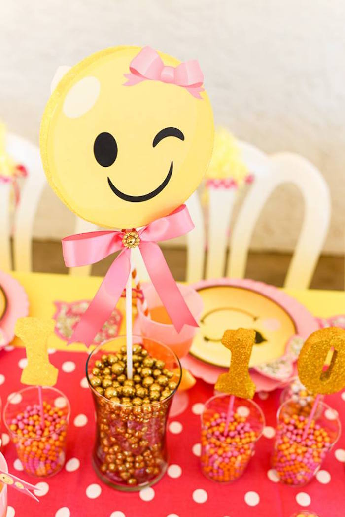 Emoji able centerpiece from a Pink & Gold Emoji Birthday Party on Kara's Party Ideas | KarasPartyIdeas.com (7)