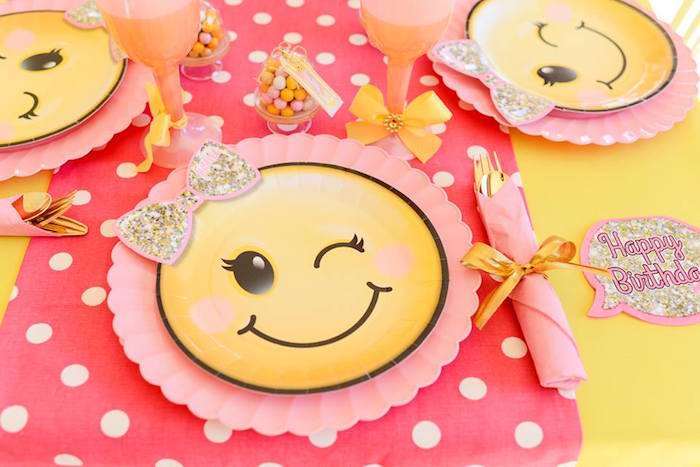Emoji place setting from a Pink & Gold Emoji Birthday Party on Kara's Party Ideas | KarasPartyIdeas.com (5)