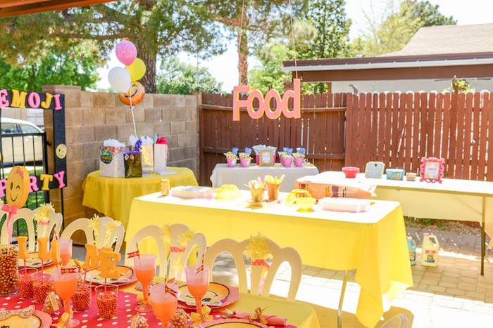 Emoji birthday partyscape from a Pink & Gold Emoji Birthday Party on Kara's Party Ideas | KarasPartyIdeas.com (37)
