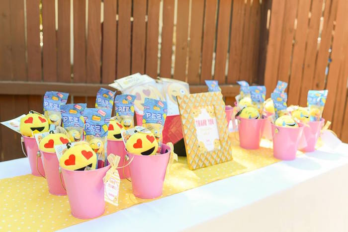 Favor table from a Pink & Gold Emoji Birthday Party on Kara's Party Ideas | KarasPartyIdeas.com (32)