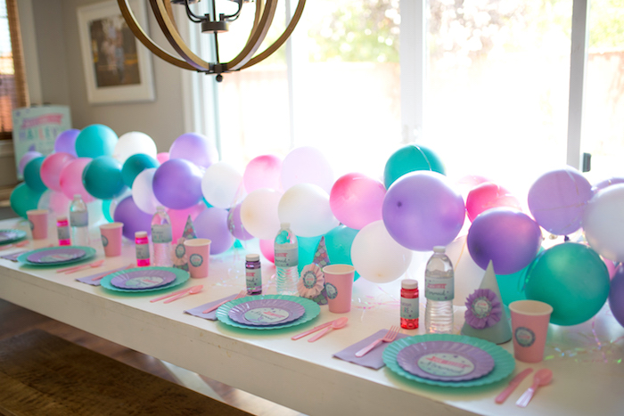 Guest tablescape from an Under the Sea Mermaid Birthday Party on Kara's Party Ideas | KarasPartyIdeas.com (10)