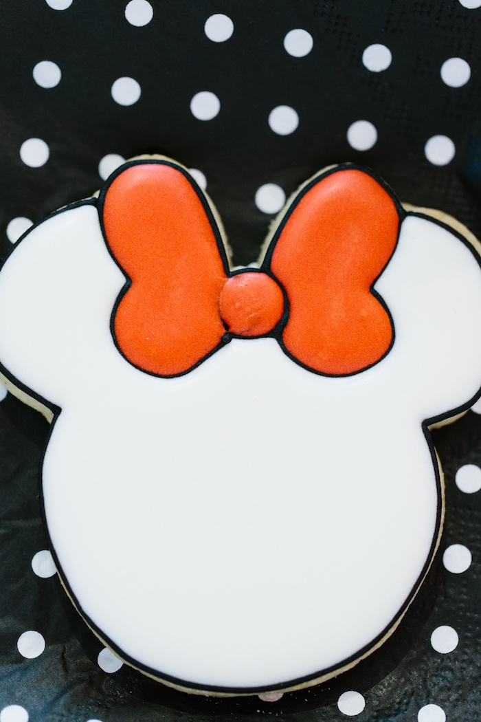 Minnie Mouse sugar cookie from a Minnie Mouse Birthday Party on Kara's Party Ideas | KarasPartyIdeas.com (11)