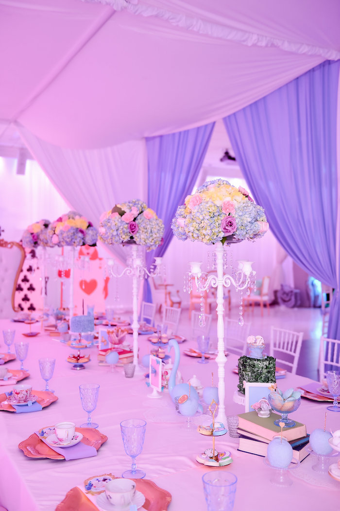 Guest tablescape from a Modern Alice in Wonderland Birthday Party on Kara's Party Ideas | KarasPartyIdeas.com (33)