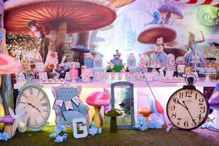 Modern Alice in Wonderland Birthday Party on Kara's Party Ideas | KarasPartyIdeas.com (16)