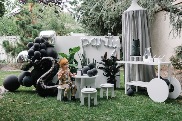 "Modern + Minimal ""King for a Day"" Birthday Party on Kara's Party Ideas 