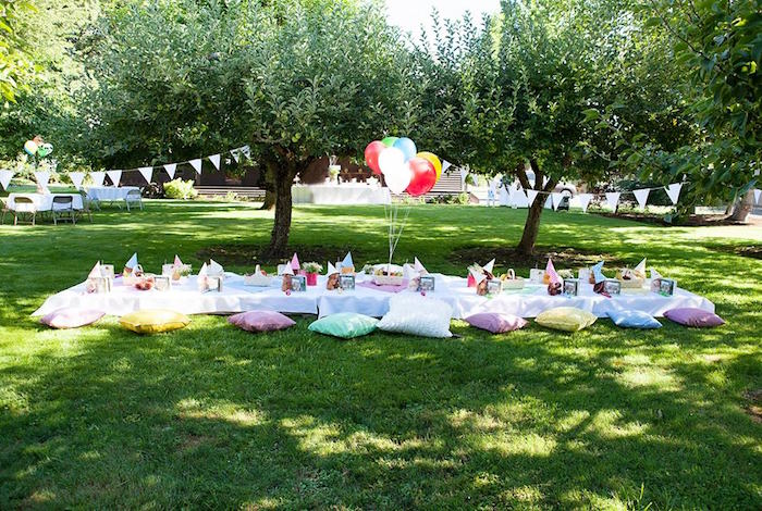 Pillow Seated Guest Table From A Teddy Bear Picnic Birthday Party On Karau0027s  Party Ideas