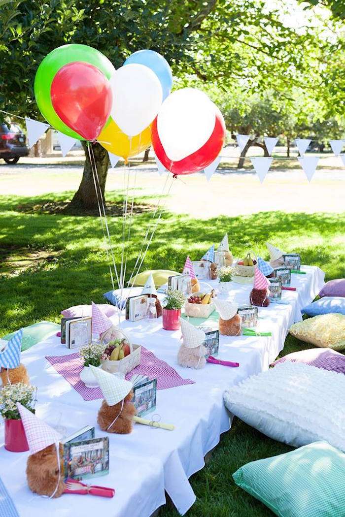 Kara\'s Party Ideas Guest table from a Teddy Bear Picnic Birthday ...