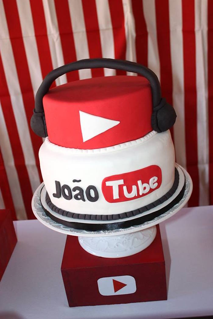 YouTube Cake from a YouTube Themed Birthday Party on Kara's Party Ideas | KarasPartyIdeas.com (11)