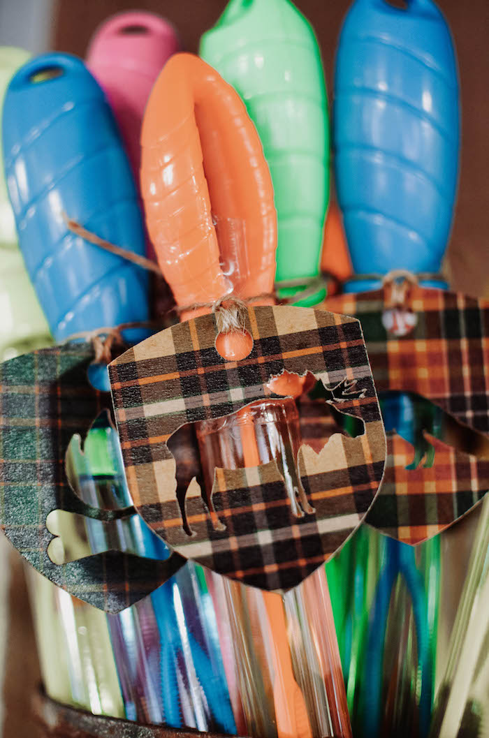 Bubble wand favors with custom plaid moose tags from an End of Summer Retro Camping Party on Kara's Party Ideas | KarasPartyIdeas.com (35)