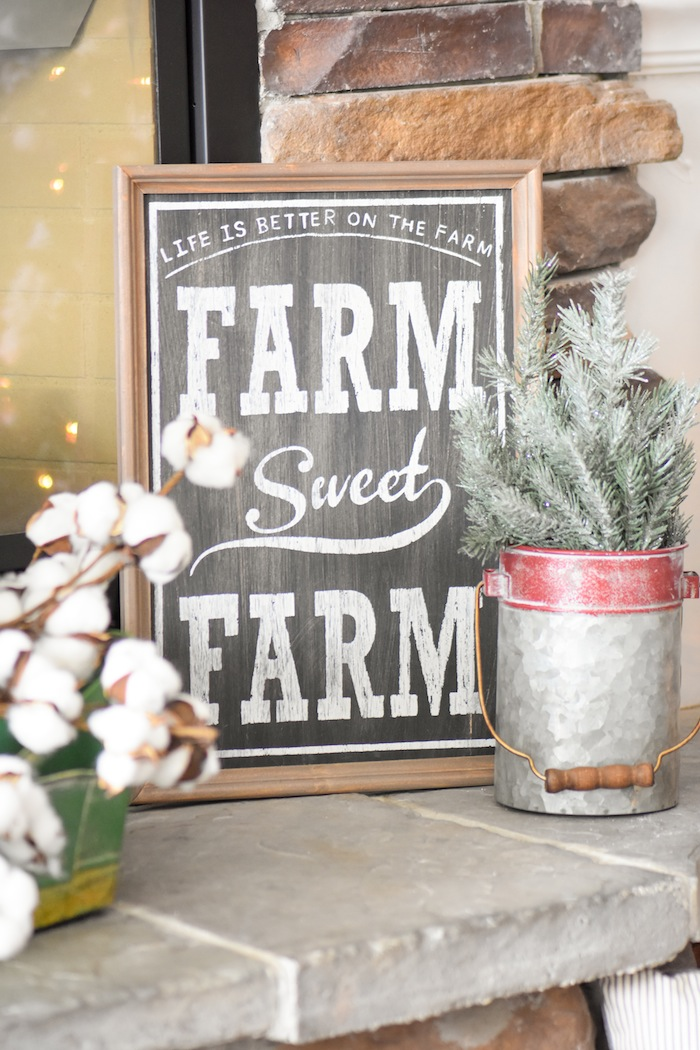 Farm Sweet Farm Sign. Farmhouse Christmas Tree | Modern Farmhouse Holiday Decorating 2018 | Kara's Party Ideas KarasPartyIdeas.com