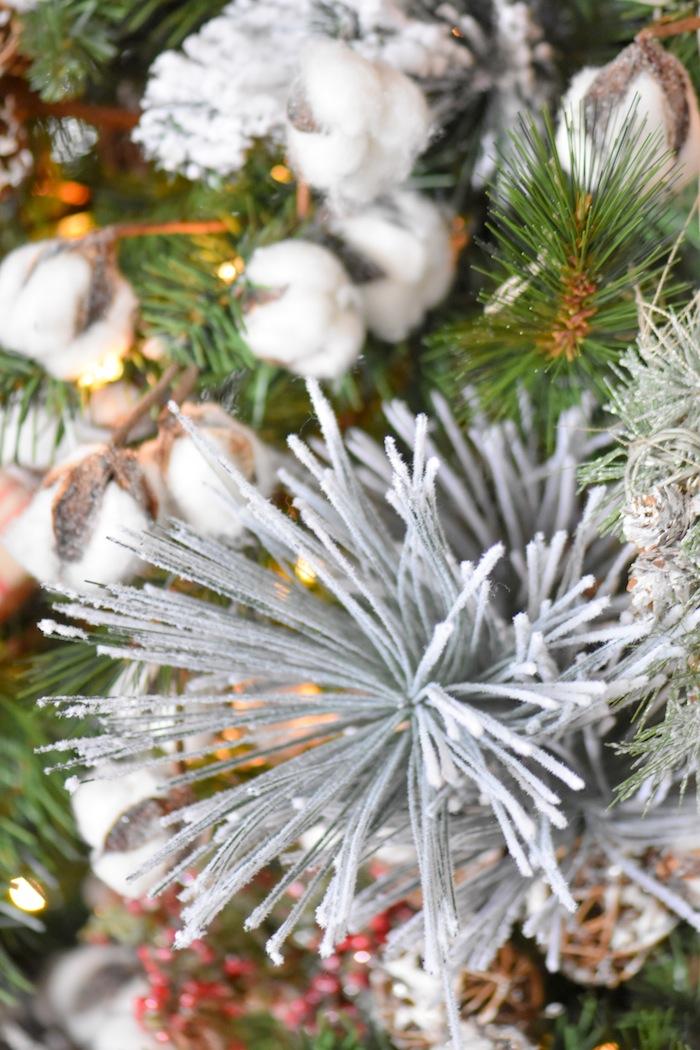 Farmhouse Christmas Tree   Modern Farmhouse Holiday Decorating 2018   Kara's Party Ideas KarasPartyIdeas.com