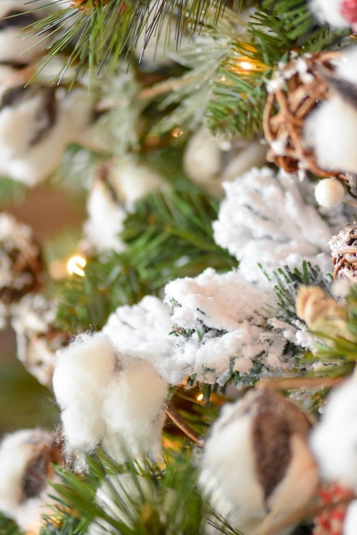 Snow Flocked Farmhouse Christmas Tree | Modern Farmhouse Holiday Decorating 2018 | Kara's Party Ideas KarasPartyIdeas.com