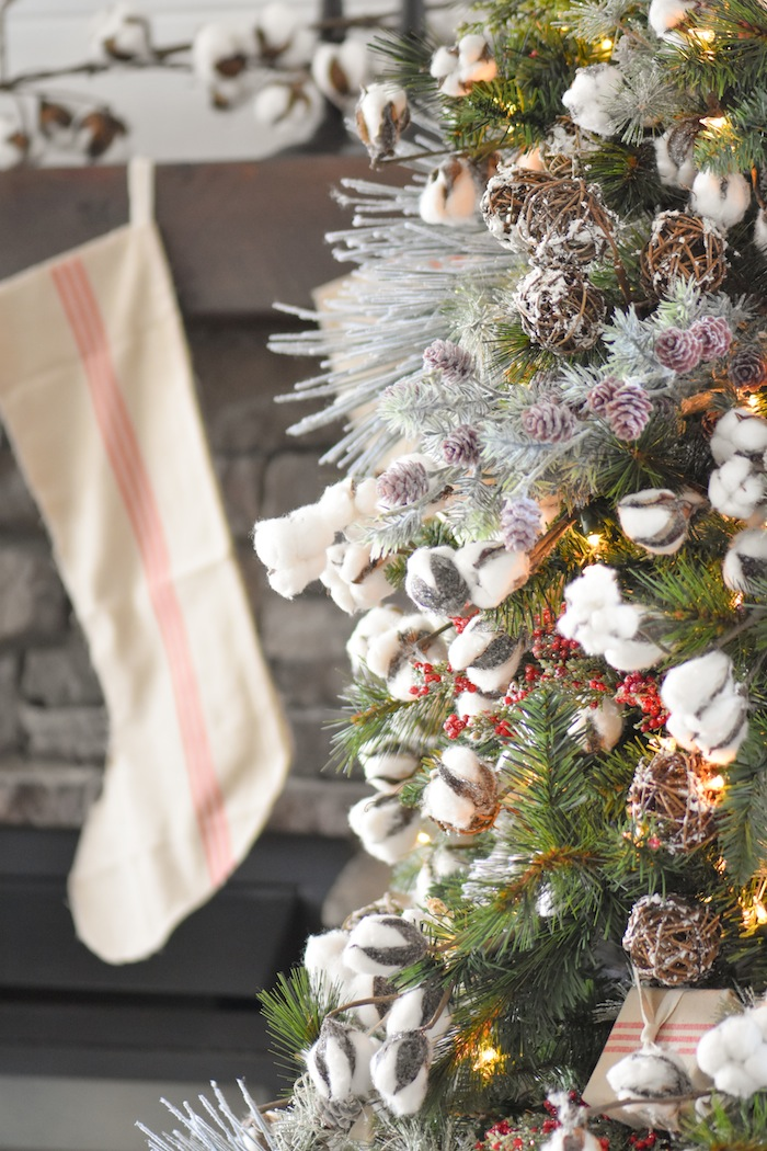 Farmhouse Cotton Christmas Tree | Modern Farmhouse Holiday Decorating 2018 | Kara's Party Ideas KarasPartyIdeas.com