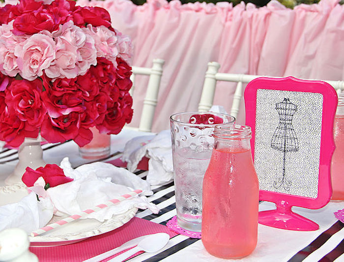 Guest table signage & place setting from a Fashion Show Birthday Party on Kara's Party Ideas | KarasPartyIdeas.com (18)