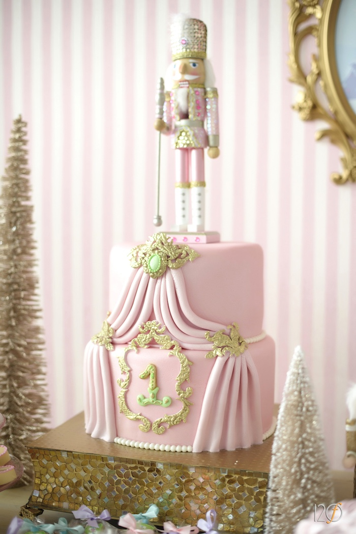 Pink Themed Christmas Tree