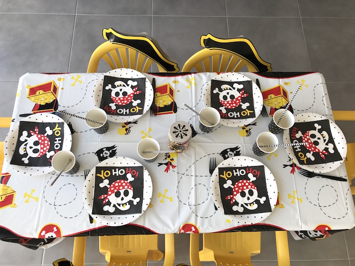 Guest tabletop from a Pirate Birthday Party on Kara's Party Ideas | KarasPartyIdeas.com (30)