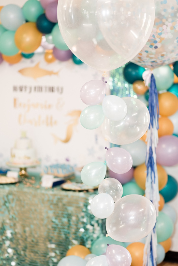 Balloon bubble bunting from a Sharks vs. Mermaids Under the Sea Party on Kara's Party Ideas | KarasPartyIdeas.com (14)