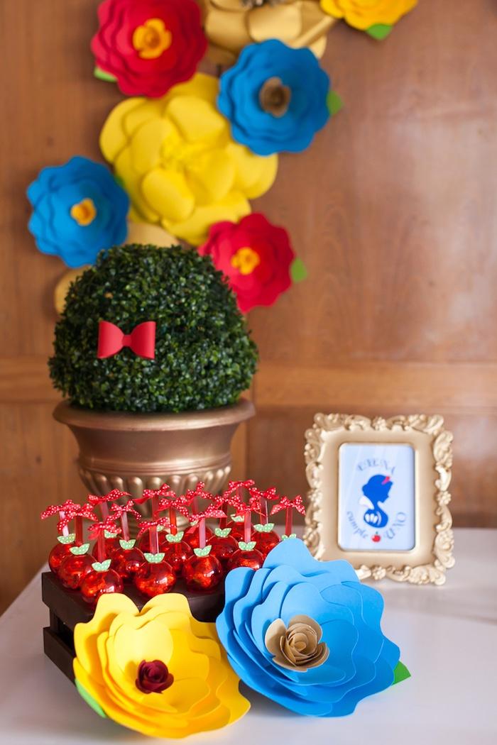 Kara S Party Ideas Colorful Snow White Birthday Party