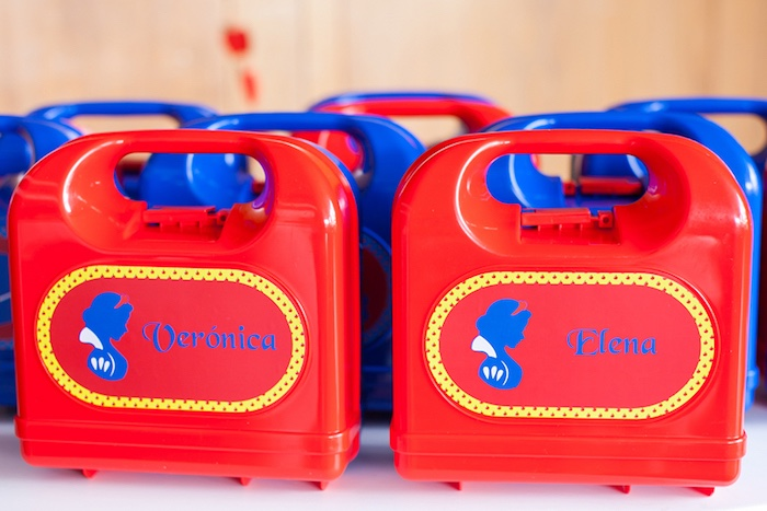 Snow White lunch boxes from a Snow White Birthday Party on Kara's Party Ideas | KarasPartyIdeas.com (15)