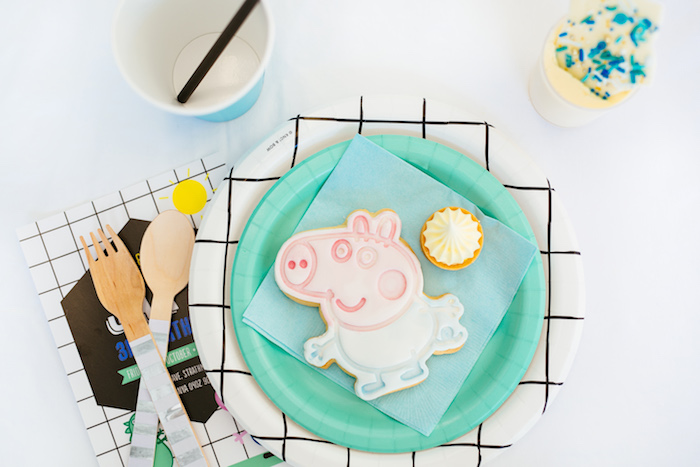 George Pig Place Setting from a George Pig Birthday Party on Kara's Party Ideas | KarasPartyIdeas.com (12)
