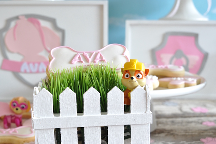 Grass patch from a Girly Paw Patrol Birthday Party on Kara's Party Ideas | KarasPartyIdeas.com (13)
